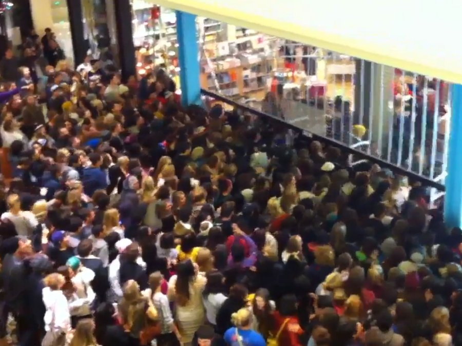 Black Friday Explained In A Few Pictures Retrohelixcom - 29 worst black friday deals ever