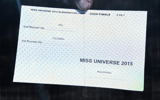 steve-harvey-reads-card-wrong